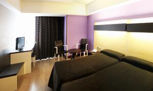 """Foto de una habitación de """"Hotel Ciudad de Logroño"""""""