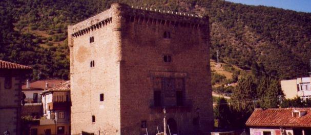 Fotografía de Cala Ferrera: Torre del Infantado, Potes