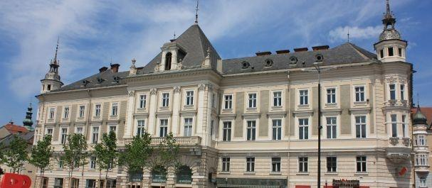 Fotografía de Klagenfurt: Edificio en Neuer Platz