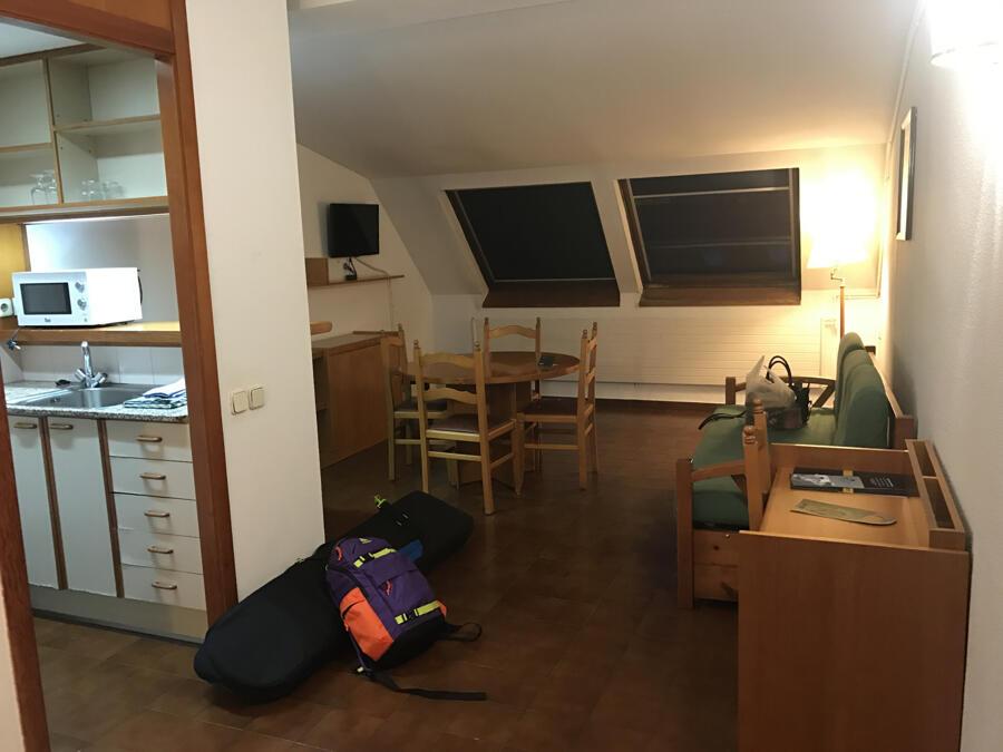 Comentarios hotel apartahotel serhs cosmos les for Habitacion familiar andorra