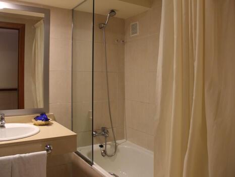 Foto del baño de Hotel H TOP Calella Palace