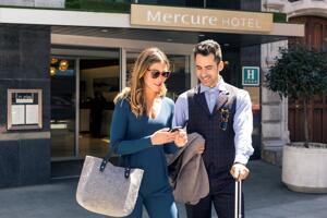 """Foto del exterior de """"Hotel Mercure Bilbao Jardines de Albia"""""""