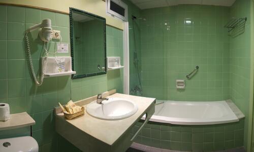 Foto del baño de Hotel Monarque Torreblanca