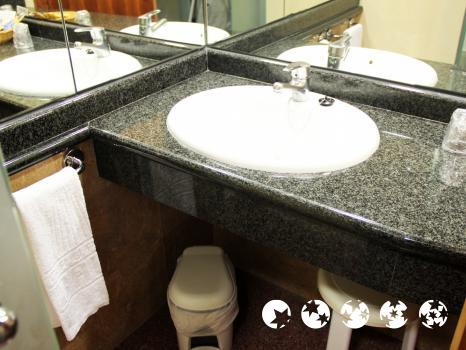 Bathroom – Gran Hotel Bali