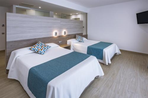 Room – 4R Gran Hotel Europe