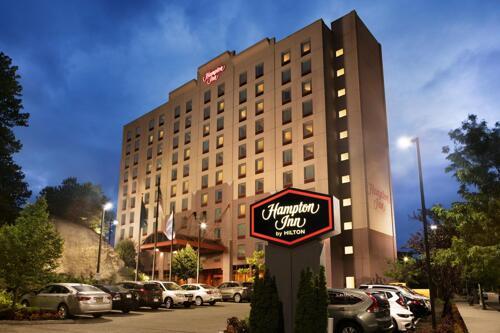 Foto degli esterni Hotel Hampton Inn New York - La Guardia Airport