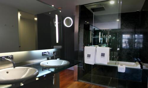 Foto del baño de Hotel Reina Petronila