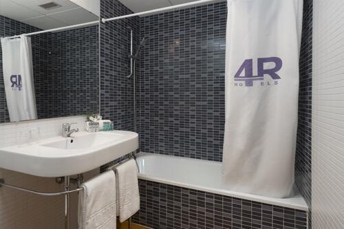Foto del baño de 4R Salou Park Resort II