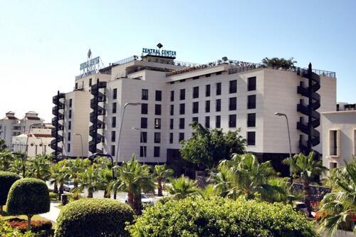 Außenansicht - Hotel Zentral Center