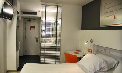 Room – Hotel Bed4u Pamplona