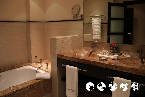 Foto del baño de Royal Hideaway Sancti Petri by Barceló Hotel Group