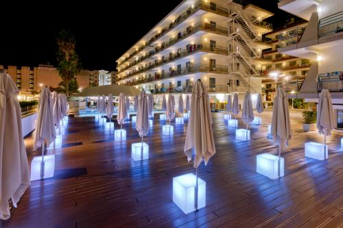 Services - Hotel Alhambra
