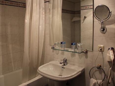 Foto del baño de Hotel Tudel