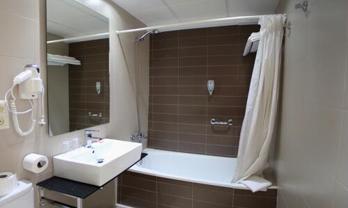 Badezimmer - Hotel Safari