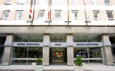 Foto del exterior de Royal National Hotel