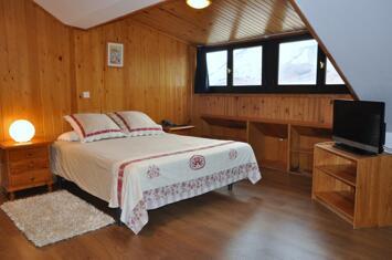 """Foto de una habitación del """"Hotel Tirol"""""""