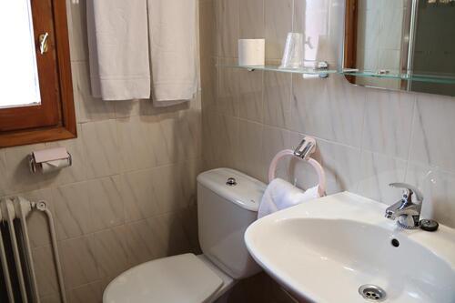 Bathroom – Hotel Tirol