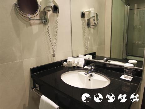 Bathroom – Hotel Valencia Center