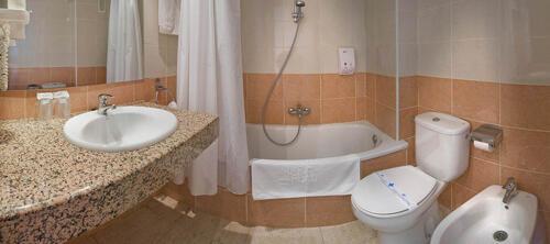 Foto del baño de Hotel Mar Blau