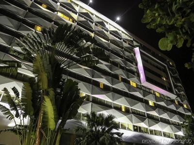 Foto degli esterni Novotel Abidjan