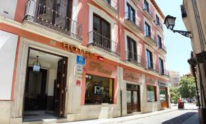"""Foto del exterior de """"Hotel Plaza Nueva"""""""