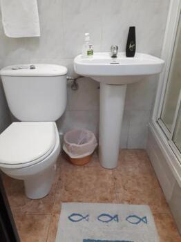 Bathroom – Hostal Oklahoma