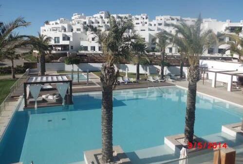 Apartamentos los patios playa macenas moj car - Hotel los patios almeria ...