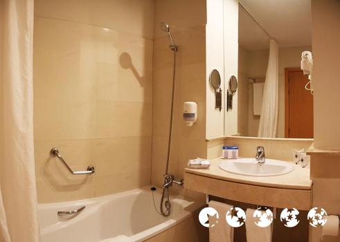 Foto del baño de Hotel Garbi Costa Luz