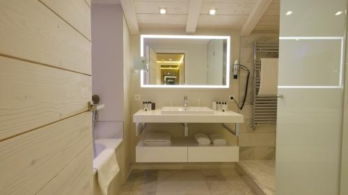 Foto del baño de Hôtel Tsanteleina