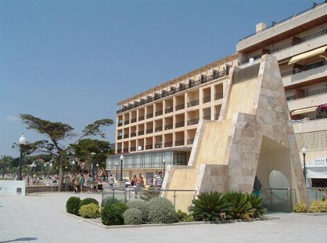 Foto del exterior de Hotel Brisamar Suites