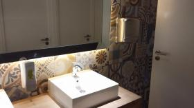 """Foto del baño de """"Hotel Brisamar Suites"""""""