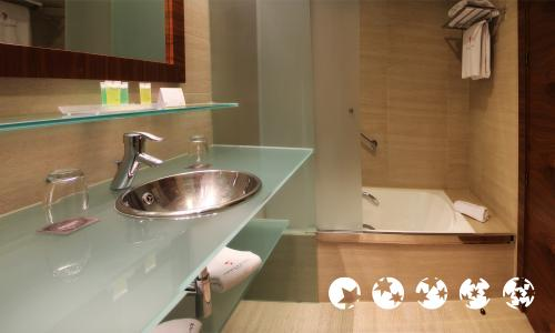 Foto del baño de Hotel Sercotel Sorolla Palace