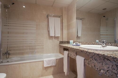 Foto del baño de Hotel Best Oasis Tropical