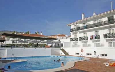 Foto de los servicios de Hotel ELE La Perla