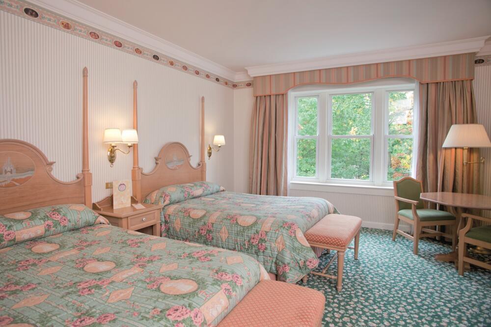 Programme de rénovation des hôtels Disney (topic généraliste) - Page 5 Disneyland-hotel-habitacion-3b2880f