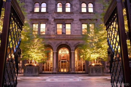 Exterior – Lotte New York Palace