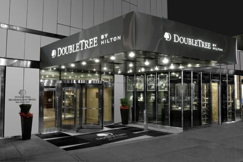Foto del exterior de Doubletree Metropolitan Hotel