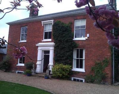 Photo Glendower Guesthouse And Apartments
