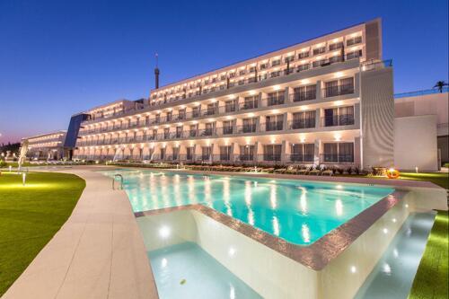 Foto del exterior de Grand Luxor Hotel