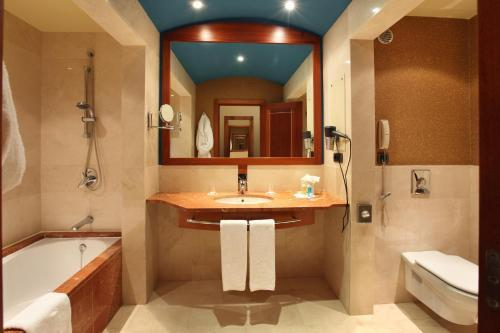 Bathroom – Hotel Lopesan Costa Meloneras Resort, Spa & Casino