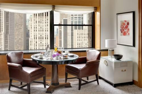 Room – The Towers At Lotte New York Palace