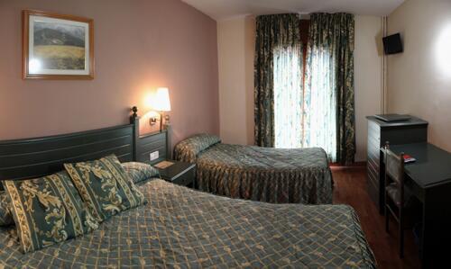 Foto de una habitación de Hotel Sant Jordi