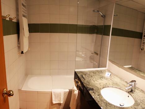 Foto del baño de Hotel de L'Isard