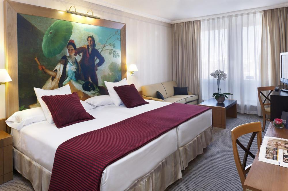 Hotel courtyard by marriott madrid princesa madrid for Hotel habitacion cuadruple madrid