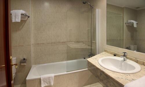 Casa de banho - Hotel San Millan
