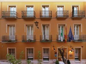 """Foto del exterior de """"Hotel Cervantes"""""""
