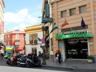 Foto del exterior de Hotel Derby Sevilla