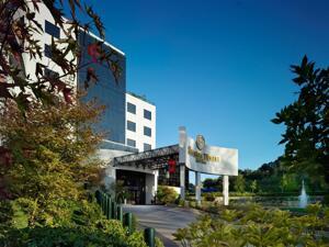 """Foto del exterior de """"Sheraton Tirana Hotel"""""""