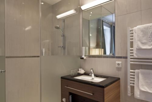 Bathroom – Hotel Sailer