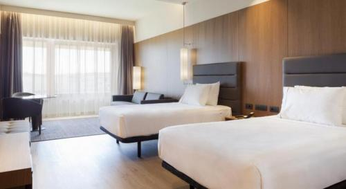 Room – AC Hotel Diagonal L'Illa, A Marriott Lifestyle Hotel